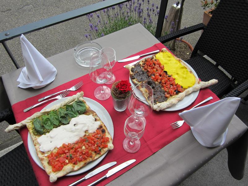 pizza karlsruhe pizzeria italienisch essen gehen borsalino ristorante pizzeria an der. Black Bedroom Furniture Sets. Home Design Ideas